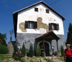 še ena tipična hiška