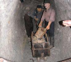 v začetku rudarjenja so vse kopali na roke
