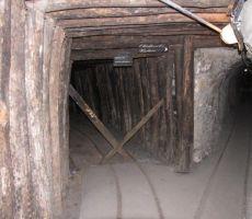 podzemlje je prepredeno z rovi