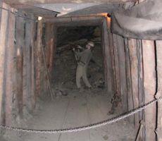 kasneje pa so pri kopanju pomagali stroji