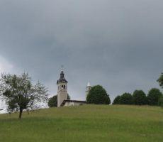 še eden pogled na cerkev