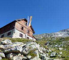 Katowitzerhutte (2320 m)
