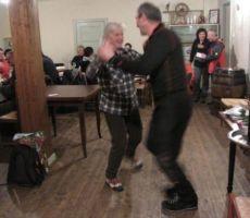 in pripradal ji je uvodni ples s predsednikom...