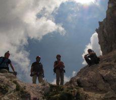 in na vrhu Trbiško Krniške špice...