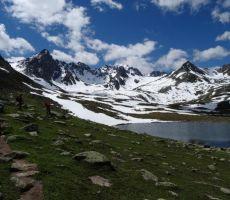 Pri jezeru na višini Triglava
