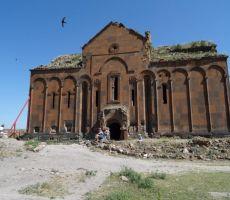 Cerkev v Aniju
