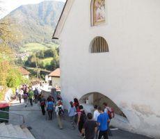 in mimo farne cerkve sv. Ane