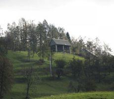 tudi pri temu kozolcu na Bukovem so posneli kadre...