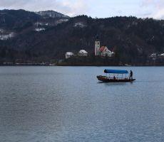 Osamljeno SUPAR na jezeru