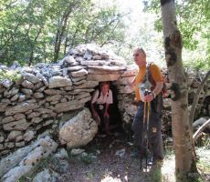 Kamnito pastirsko zavetišče