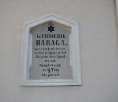 Spominska plošča na rojstni hiši Friderika Barage