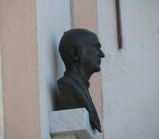 Doprsni kip msgr.dr. Alojzija Šuštarja