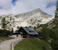 Odpiranje planinskega doma na Vršiču