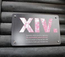 Tabla na pročelju malega muzeja