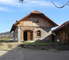Obnovljena hiša Machovih