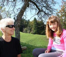Babica in vnukinja Flora